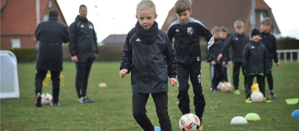 So trainieren die Nachwuchskicker von der Geest (Quelle: Stader Tageblatt, 19.03.2021)